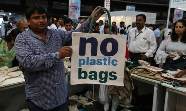 Mumbai bans plastic bags and bottles