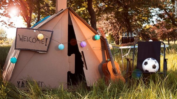 Kartent cardboard tents for your festival